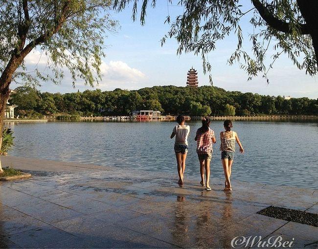 Three little girls…