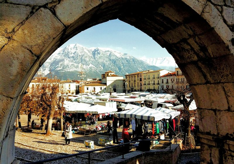 Up Close Street Photography Aqueduct Mytown Acquedottoromano Acquedotto Abruzzo Abruzzo - Italy City Sulmona Lifestyles Life People Market Marketplace Mercato Sky And City Outdoors Civilization And Culture The Street Photographer - 2016 EyeEm Awards Feel The Journey
