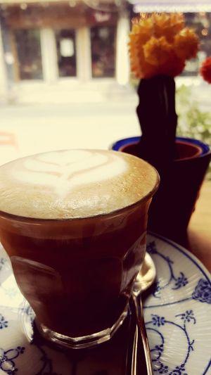 Coffee Drinking A Latte Relaxing Hanging Out Walking Around Bangkok Taking Photos Enjoying Life Hello World Afternoon Piccolo Latte
