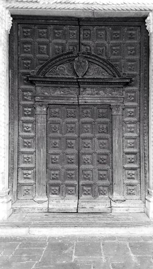 Closed Architecture Building Exterior Streamzoofamily Streamzoo Monochrome _ Collection MonochromePhotography Black And White Photography Blackandwhite Photography Monochrome Italy❤️ Blackandwhite Door Historic Padova, Italy