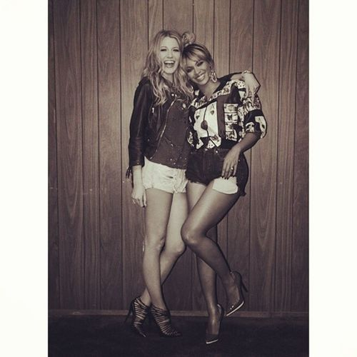 Two of the most beautiful beings!! Girlcrush Beyonce Blakelively Amazing ontherun tour beyhive beautiful