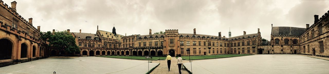 University of Sydney, the place where my best time stays. I miss there so much. The photo took when I was visiting the city last year. Found On The Roll Sydney University Sydney The Architect - 2016 EyeEm Awards Ancient Architecture Australia Panorama Sydney University