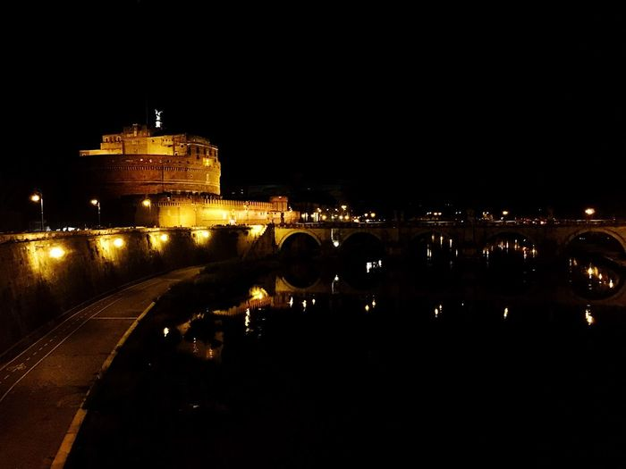 Castel Sant'Angelo in Rome by night Rome Roma Rome Italy Italy Italia Landmark Night Nightphotography Night Lights Tiber Tevere Tevere River City Monuments Church Castel Sant'Angelo Landmarks Dark Darkness And Light Lungotevere Monument