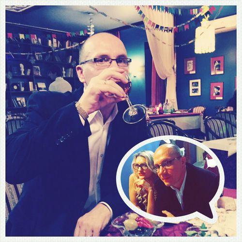 Новый год отдыхаем выпивка праздник мужчина Relaxing NewYear Drink Man Holiday