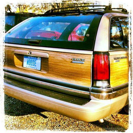 Buick Roadmaster Estate Wagon with vanity plate WOODE. Stationwagon Buick Hooptycar