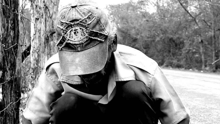 Everyday Lives Limpiador De Tierra People Black And White San Francisco de Campeche, Campeche; México