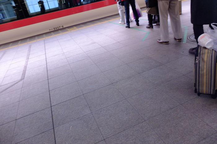 waiting so long. 上野 仕事 FujiFilm X20
