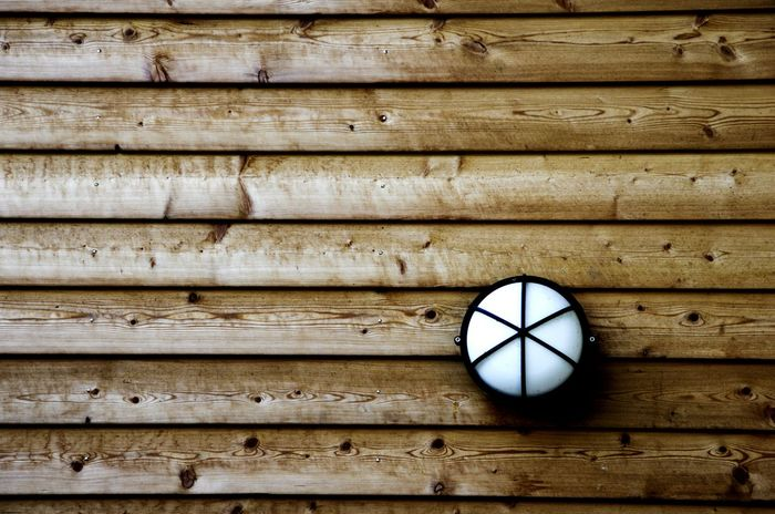 Light Walking Around People Watching Architecture Wood Holz Lampe Lamp Texture