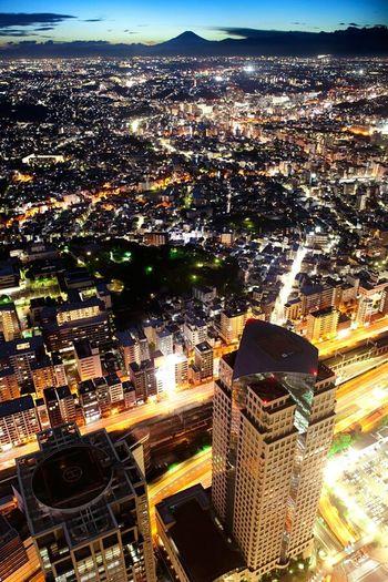 Battle Of The Cities Japan Yokohama City Cityscapes Buildings Mountain Sky Mt Fuji