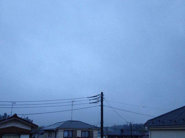 おはようございます( ´ ▽ ` )ノ ザンザカ雨が降ってます。 Morning Rain IPhone 4S
