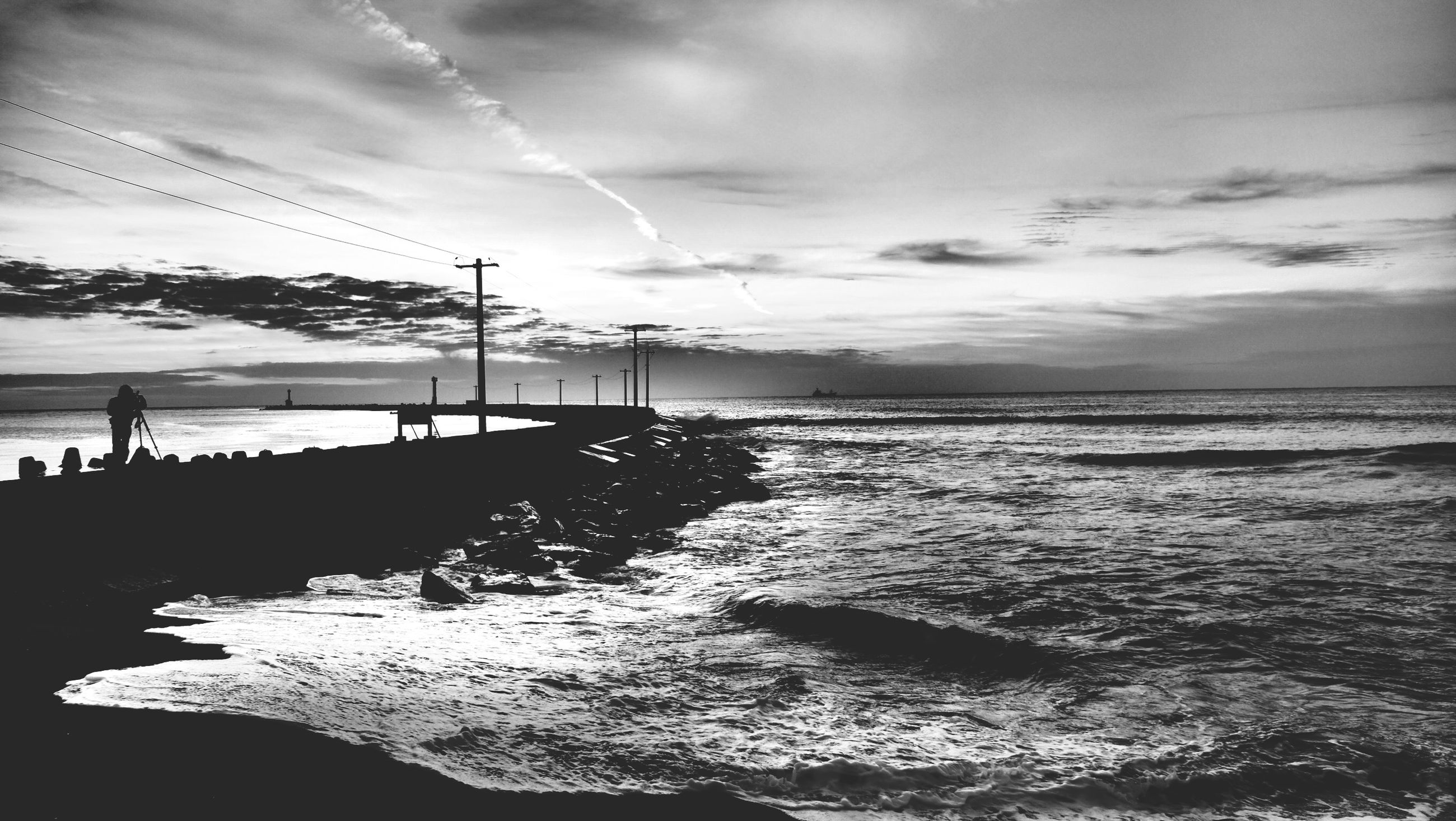water, sea, sky, tranquil scene, horizon over water, beauty in nature, scenics, cloud - sky, tranquility, nature, beach, cloudy, silhouette, cloud, sunset, shore, idyllic, outdoors, dusk, non-urban scene