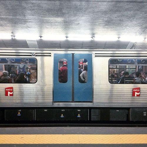 Good Morning. Lisboa Metro Underground Travelingwithoutmoving lisbon lifeinlisbon igerslisboa