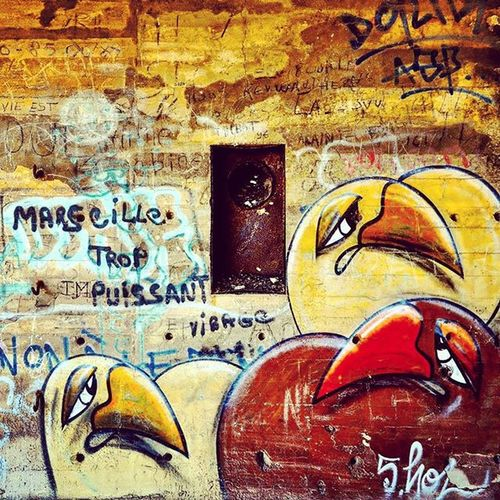 Marseille trop puissant 😉 Nikonfr Urbexfrance Urbex Street Urban Exploration Photography France Graff Abandoned Place Tag Wall Marseillecartepostale Marseillerebelle Ohprovence Bird Angrybirds Angry Puissant Picsoftheday Coeurpostal Colors Méditerranée Frioul island igersfrance igersmarseille