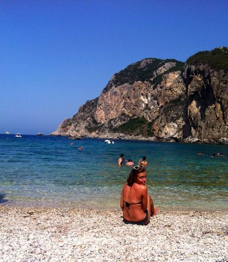 This is the most beautiful beach in Corfú, Greece. This picture is from August 2014. This beach is famous for the water: very beautiful and very cold at the same time. Traveling Enjoying The Sun Sunshine Greece