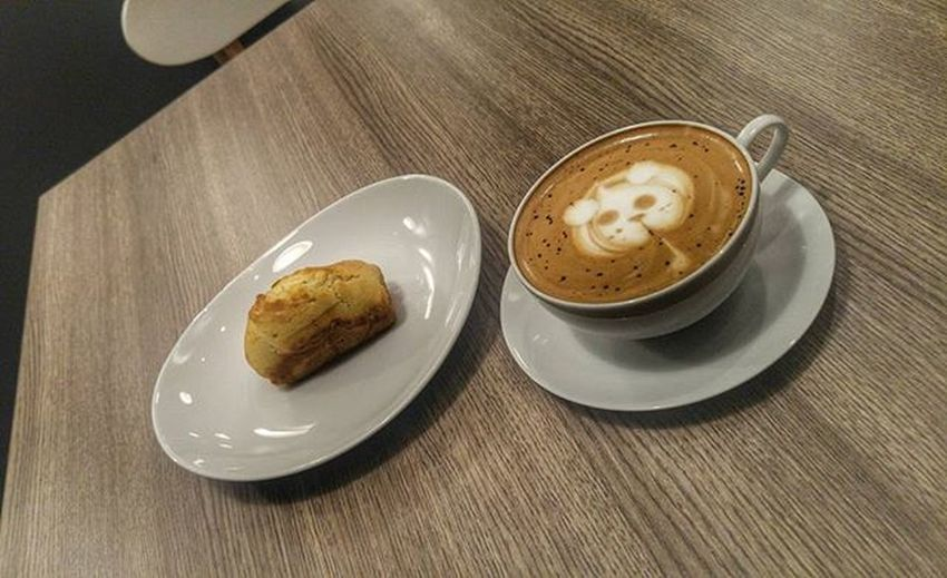 """Thx for the effort of my silly request 😁😁😁, but wait is that new menu """"kue balok"""" 😝😝😝 Latteart Coffee Coffeetime Mochaccino Lcbbandung Val  2016 LGG4 LG  G4 😚 ☕"""