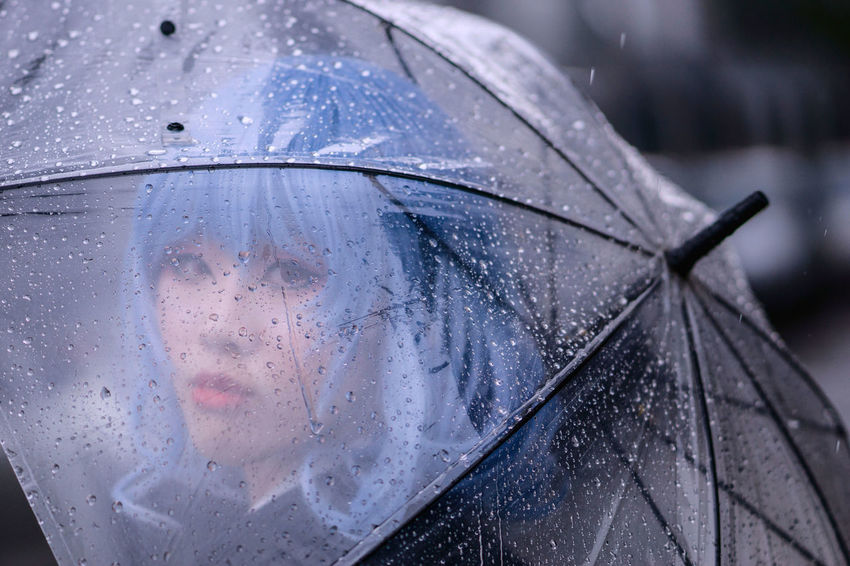 Remilia Scarlet - suit Remilia Scarlet Touhou Project Cosplay Rain Umbrella Girl Portrait People Suit Sony Asdgraphy Malaysia Sony A6000 Sonyalpha Sonyphotography Sonyimages Wet Weather Protection Rainy Season Water Drop