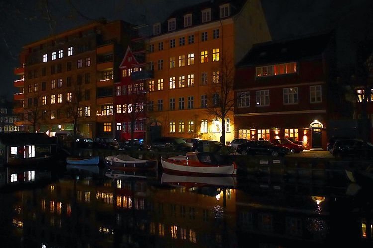 Water Reflection Water Reflections Reflection Canal Waterfront Water Window Window Lights Lights Boat Boats Ship Ships Night Architecture Illuminated Building Exterior No People Built Structure City Outdoors