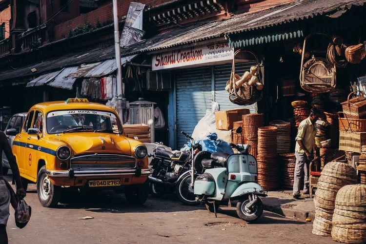 India Transportation Car Taxi Street Eye4photography  Documentary Travel Photography City Journey Incredibleindia The Week On Eyem Urbanphotography VSCO Streetphotography Vscocam Cultures Check This Out EyeEm Best Shots Urban Kolkata
