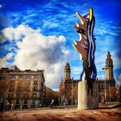El cap de Barcelona, Roy Lichtenstein. #splendiaHotels #ig_cityGuide splendiaHotels Ig_cityguide Splendiahotels