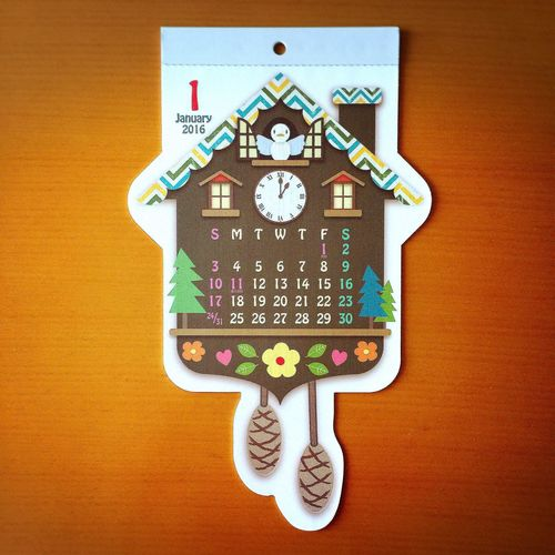 鳩時計好きとしては、放っておけなかったよ🐦⏰100円ショップで見つけた、ヒトメボレなカレンダー。 鳩時計 カッコウ カレンダー