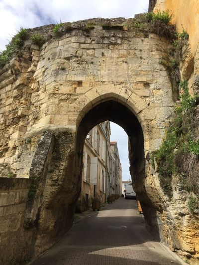 Petite promenade.. Arch Architecture Built Structure Direction The Way Forward Day History Old No People Old Ruin Wall