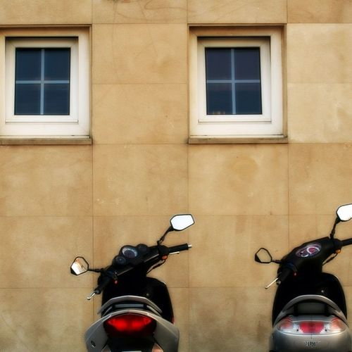 Parejas Ventanas Motos Parejas Pares Windows Of My World Photo Editing Windows And Doors Check This Out Canon Camera Hello World Photo Of The Day Canonphotography Sigma Lens Street Photography Bilbaoarchitecture Euskalherria