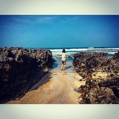 close your eyes and take a deep breath, feel my air pass through to your lung and stuck inside your heart. im the world who gave you epic life, i am everywhere. Sawarna Sawarnabeach