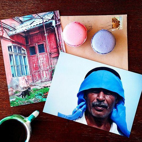 """""""Жизнь - яркая штука"""" - одна из фраз, что написаны на обороте открытки с бедуином✨ Открытка утром пришла из Одессы от невероятнойАни @light_inside 💌 Иногда я думаю, что если когда-то заведу блог, то буду писать об интересных людях🚻 Вот Аня - интересный человек. Мы познакомились случайно, но именно она нечаянно """"заставила"""" меня пойти рисовать🎨 Кстати, на этой неделе Аня будет в Киеве со своим мастер-классом. Подробности можно посмотреть в профиле @light_inside 😉 Аня, спасибо, правда, когда читала открытку, мурашки так и бегали💬 жизньяркаяштука Odessa_ukraine Od_insta In_mrn Instaodessa Macarons Macaroons Honeybunny H_b_2_u сладкийкроль Light Lightinside Morningcoffee Coffee Cards Postcards бедуин Bedouin Beduin Igorsytnik Odessacourtyard одесскийдворик Worldbestshot Beautifulday Sunnyday sytnik printl_net blackcat"""