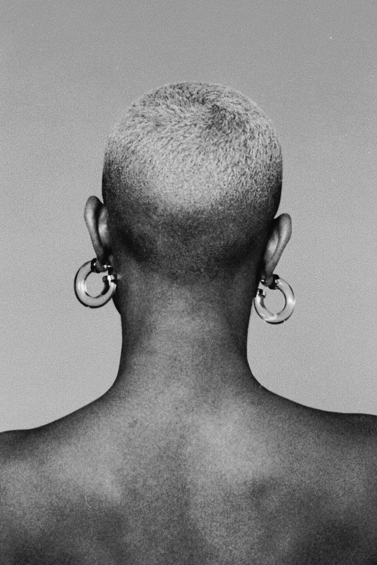 one person, human body part, human neck, studio shot, adult