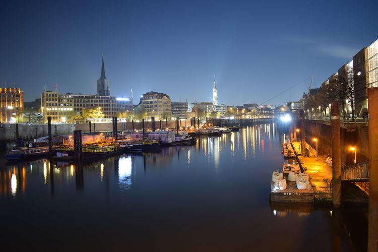 Hafen Hamburg Hamburg Harbour Himmel Und Wolken Nachtfotografie Nightphotography Langzeitaufnahme Langzeitbelichtung Night Photography Photooftheday Picoftheday Sky Skyscraper Wasser Water