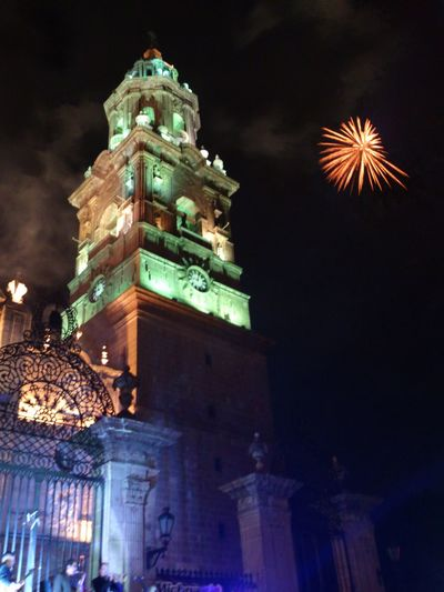 Catedral CatedraldeMorelia EncendidoDeLuces Cathedral Patrimoniodelahumanidad Mexico Valladolid Canterarosa Sinfiltro Nofilters Fireworks Fireworksphotography Night Nightphotography Travel Destinations Architecture Colonial Architecture Sony Xperia Crr229 City Tower Clock Tower