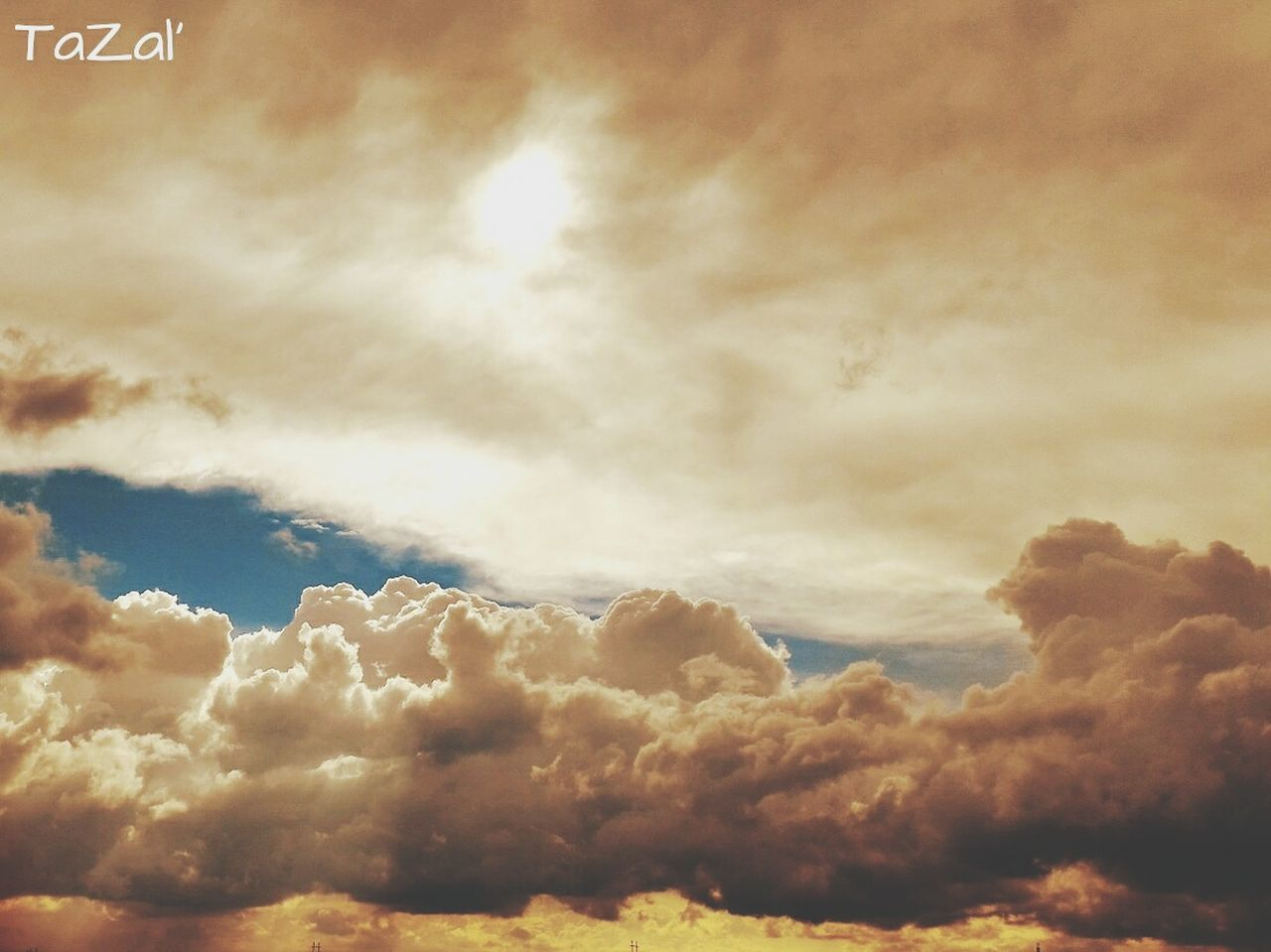 sky, beauty in nature, nature, cloud - sky, cloudscape, majestic, scenics, tranquility, sky only, heaven, no people, outdoors, low angle view, backgrounds, day