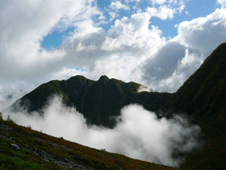 Hill Cloud - Sky Landscape Outdoors Nature Beauty In Nature Vacations Rural Scene Beauty Day Sky Scenics Trekking Montagne Japon Japan Mountain Range Mountain
