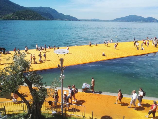 Be. Ready. Large Group Of People Vacations Tourism Leisure Activity Travel Destinations Summer Outdoors Tree People Doriano Lago D'Iseo The Floating Piers By Christo The Floating Piers Hawei P8 EyeEmNewHere