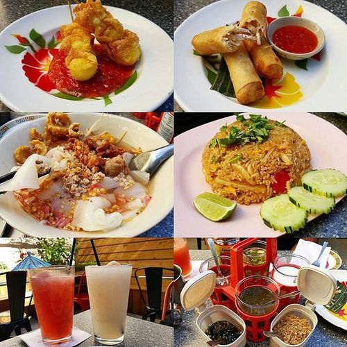 Food is always delicious here. Nycalive Mr_mrs_collado Pyeboatnoodle Goodfood astoria drinks bonding foodie foodies sofull crabmeatfriedrice friedquaileggs tarorolls lychee watermelon spices noodlesoup