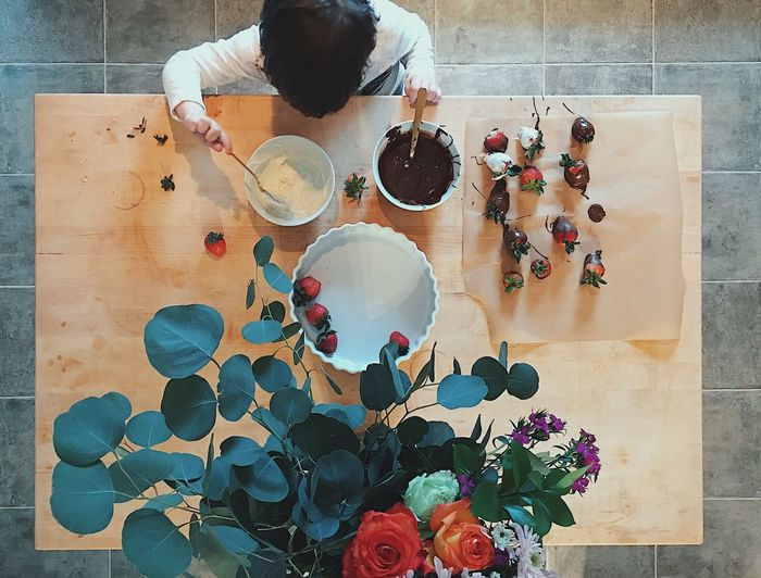 One Person Boy Chocolate Flowers EyeEm Gallery EyeEm Best Shots Strawberries EyeEm Cooking Child Table High Angle View Indoors  Directly Above One Person Day