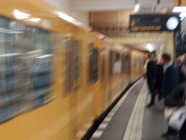 U-Bahhof Friedrichstrasse Berufsverkehr Blurred Motion Mode Of Transport Public Transportation Railroad Station Platform Train - Vehicle