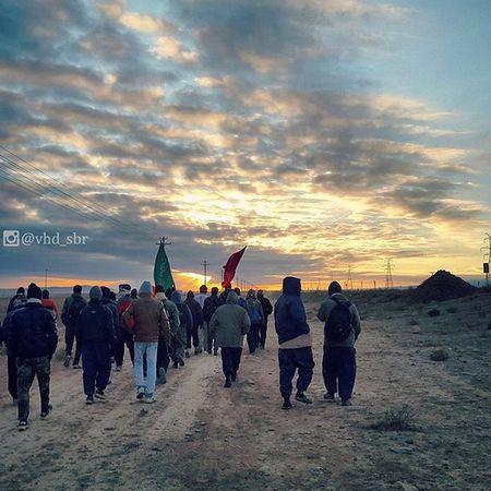 ▫ نزدیک چناران هستیم. (ولی عکس واسه امروز نیس) پرچمو_زمین_نذاری پرچم_بالاست پرچم 😚 Flag Flagofislam Flagkeeper Pilgrims walking a distance of 205km to reach Imam Reza's holy shrine for his death anniversary. Khorasan_e_Razavi , Iran Mashhadlive Everydayiran Everydaymiddleeast Everydayasia Everydayeverywhere پیاده_روی_تا_مشهد پیاده_روی_مشهد اللهم_ارزقنا_زیارت_الاربعین قمر_بنی_هاشم ماه ماه_بنی_هاشم ساقی سقا حضرت_ماه اند_معرفت اند_ادب ادب داداش_نه_مولا