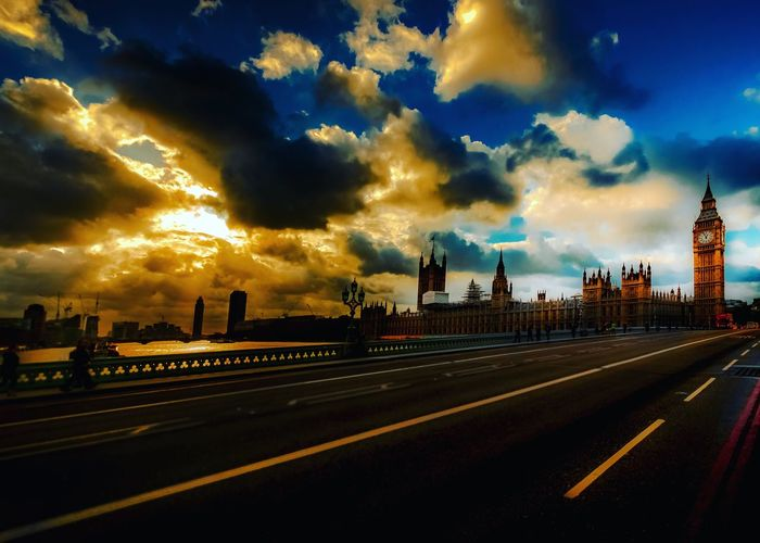 Westminster Westminster Bridge Westminsterbridge London Timeoutlondon Visitlondon Igerslondon Clouds And Sky Cloudporn Cloud_collection  Clouds Elizabethtower Bigben Big Ben Photography Photooftheday Photos Around You River View City Taking Photos Check This Out