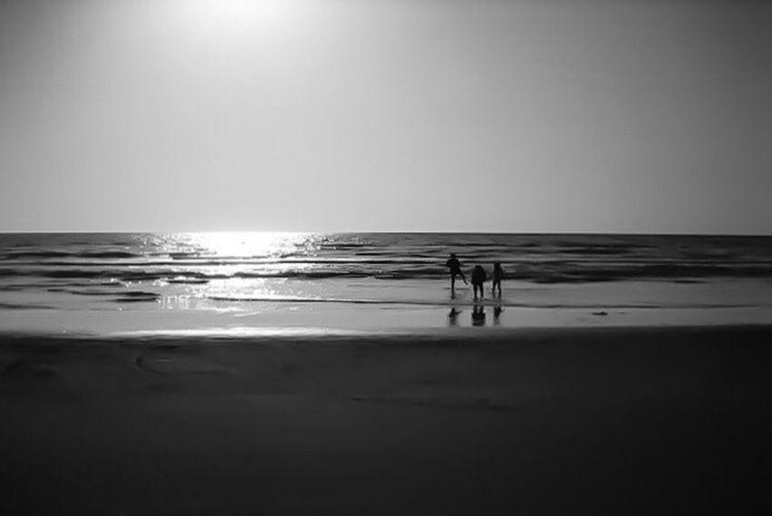 [ それは2006年でした ] A Decade Ago My First Camera Chirihama Beach Kanazawa-shi Ishikawa-ken Japan 2006 Collection : Japan Sillouette Blackandwhite Photography Black And White Black And White Collection