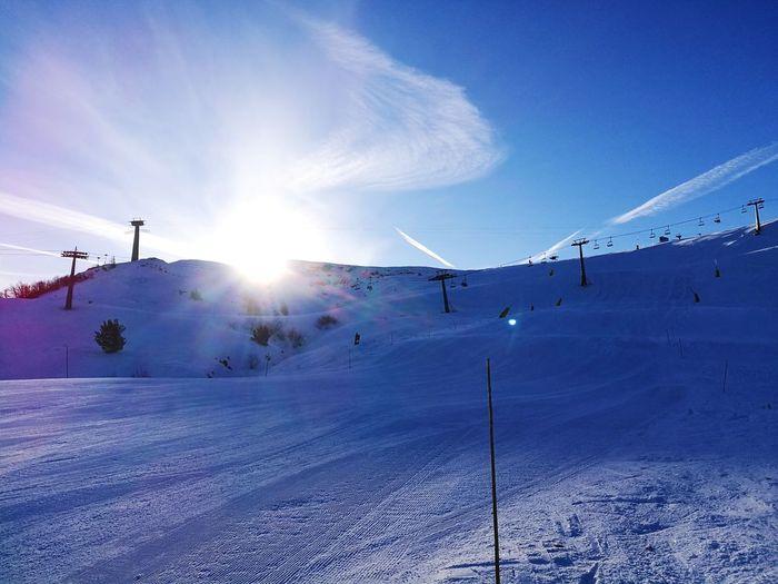Monte CIMA Altezza Sky Cielo Montains    Montagna Neve Snow ❄ Snow Sci Ski Cimone Cimonesci Skiing ❄ Giallo Blue Sun Sole Alba