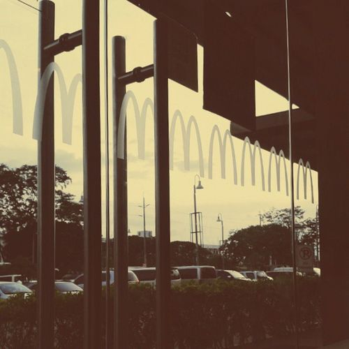 Yoo hoo. Time to eat and let our stomach be full. C'mon and let's relax. Refreshing. Haha. Vscomcdonalds Vscospicychicken Vscocam