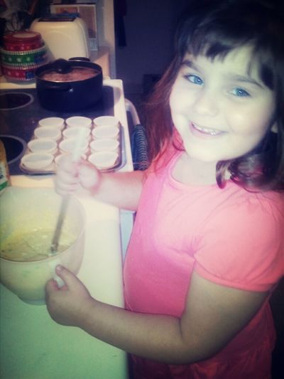 Shyla Making Cupcakes Already Such A Talented Little Girl I Love Her