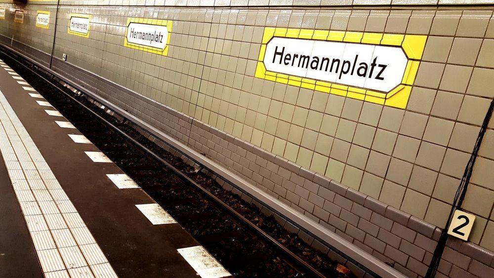 Subway Station Berlin Hermannplatz Berlin Architecture Neukoelln Subway Station Tracks Platform Sign Hermannplatz Tiles