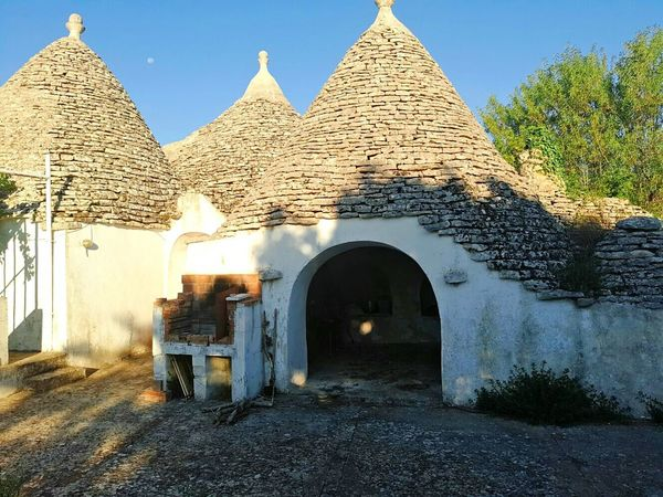 Trullo Puglia Italy Pietre Case Antichita Sun Sole Garden Campagna Campagne Paesaggi_ditalia Paesaggio Landscape Summer Wheather Freedom Colori Colors Sky Cielo Architecture Building Exterior Nature Built Structure Outdoors No People Day