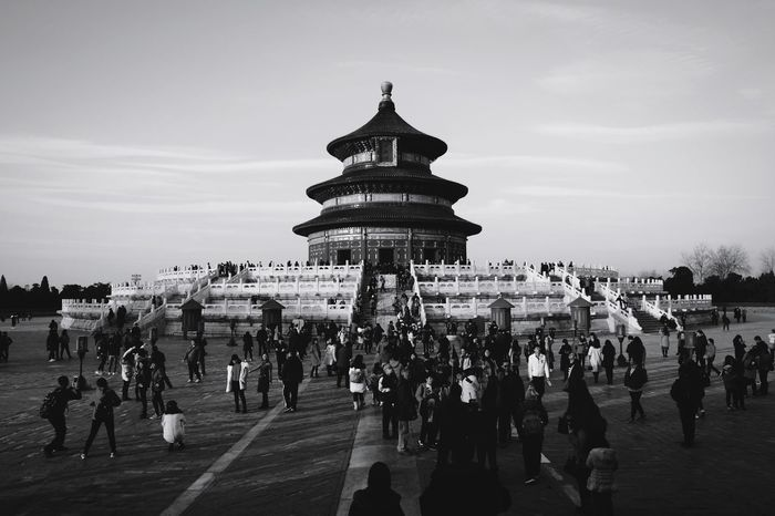 Large Group Of People Travel Destinations Tourism Sky Travel Architecture People Built Structure Outdoors Building Exterior Day Adult Crowd Men Real People Adults Only Only Men Ancient Light And Shadow FUJIFILM X-T10 Beijing, China Temple Of Heaven Park King - Royal Person Black And White Old Buildings