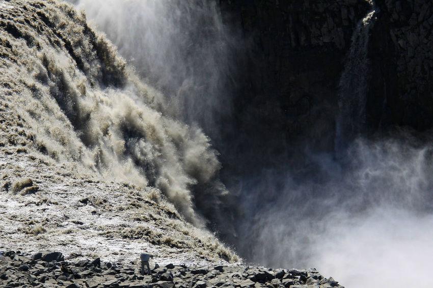 Dettifoss Energie Falls Fotograf Iceland Iceland Trip Iceland_collection Kraft Nature Naturepower Naturgewalt Risiko RISK Water Waterfall Photographer BestofEyeEm One Person