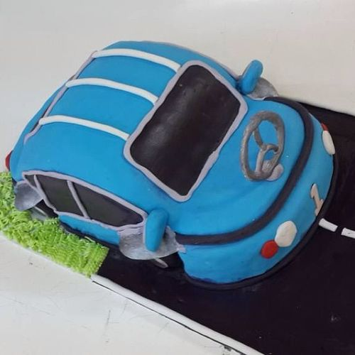 Cake In the form of a Car Shamyat Sweets