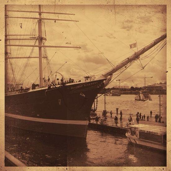 Going Sailing Sepia Hamburg Be Amazing