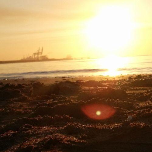 Hormozgan BandarAbbas Sky Sea Sun Irantravel Mustseeiran Seashore Good Morning Srna Photographer Nexus5 Persian Gulf Decmber پاییز طلوع بندرعباس هرمزگان دریا ساحل صبح خوش خلیجپارستیابخونسرخعشق ۱۳۹۳/۰۹/۱۱ 2014/12/02
